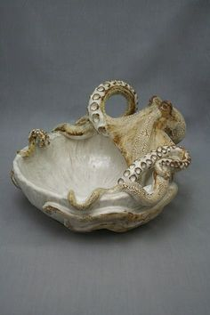 "Shayne Greco octopus bowl sculpture ceramics clay pottery // The theme of my room is ""Wicca"" the theme of my bathroom will be ""sea monster"" Ceramic Clay, Ceramic Pottery, Ceramic Soap Dish, Soap Dishes, Slab Pottery, Thrown Pottery, Ceramic Bowls, Kintsugi, Modelos 3d"