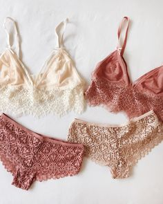 Mix & match your Lingeries Collection Lingerie disponible sur www.1861.ca #Boutique1861