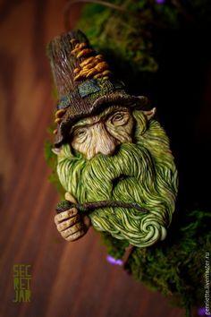 """Купить Брошь """"Грибной гном"""" - зеленый, гном, борода, зеленый цвет, магия, грибы, гриб"""