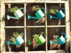 Tão fofo. Flores enfeitam qualquer ambiente. Este regador é uma graça.  #RespireFlores #reciclar #ideia #dica #flores #flor #inspiracao #decorar #decoração #piracicaba #campinas #bomdia #boatarde #artesanato