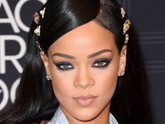 Rihanna sort sa propre marque de maquillage !