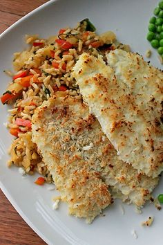 Coconut Crusted Flounder Over Pineapple Fried Rice - Green Lite Bites Ww Recipes, Clean Recipes, Fish Recipes, Seafood Recipes, Dinner Recipes, Cooking Recipes, Healthy Recipes, Dinner Ideas, Chicken Recipes