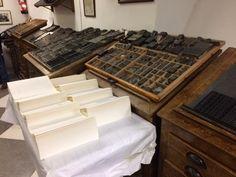 Preparando la impresión, en la Antigua Imprenta Sur de Málaga.