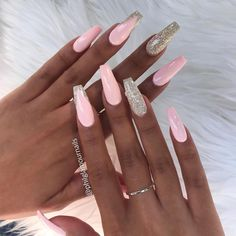 Schauen Sie sich unsere Sarg-Acrylnagel-Ideen in verschiedenen Farben an. Trendy Coffi – Nägel Farben, You can collect images you discovered organize them, add your own ideas to your collections and share with other people. Nagel Blog, Best Acrylic Nails, Baby Pink Nails Acrylic, Acrylic Nails Coffin Glitter, Acrylic Nails For Summer Coffin, Pink Acrylics, Acrylic Nail Art, Pink Nail Designs, Coffin Nail Designs