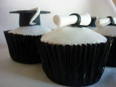 Muffins de la tía: Cake, cupcakes y alzadas para la graduación de Nicolás Graduation Cupcakes, Desserts, Food, Party Ideas, Wedding, Design, Buns, Food Cakes, Deserts