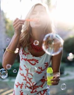 coral dress and bubbles! Summer Of Love, Summer Fun, Summer Time, Summer Girls, Summer Days, Bonheur Simple, Blowing Bubbles, Coral Dress, Jolie Photo