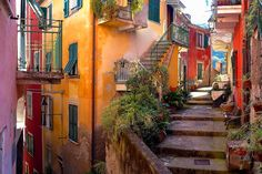 The main attraction of Cinque Terre is the landscape.