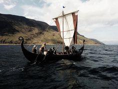 Vikings at the Isle of Arran by ~Razvan Pestean http://www.viking-mythology.com/vikings.php #Vikings #vikingships #drakkar pic.twitter.com/YoYZ2wbmof