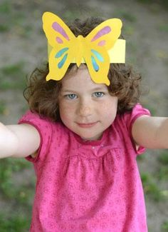 Work on scissor skills and celebrate the last days of summer with this sweet crown. Crown Crafts, Headband Crafts, Diy Crown, Hat Crafts, Headbands, Preschool Painting, Preschool Crafts, Crown For Kids, Glass Butterfly