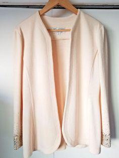 7e1cabf698ba2 Women s ST JOHN EVENING Santana Knit Jacket With Jeweled Sleeves Size 6 (S)   STJOHN  Blazer