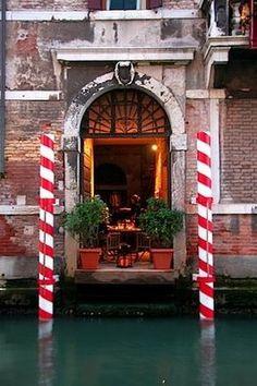 Ardidos Cafe: Venice, Italy