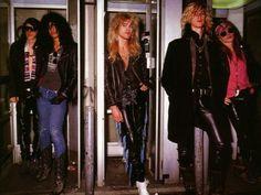 GNR Steven Adler Izzy Stradlin Slash Duff McKagan Axl Rose
