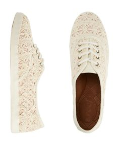 knit/lace shoes