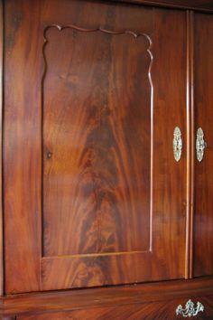 Bloemmahonie. Crotch mahogany.