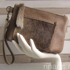 Zipper pouch from the BIG-series in dark beige leather