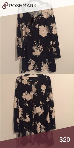 Black Floral Dress This is a Small Black Floral Dress. If you like this item make an offer my prices are not final I'm selling items on here to get rid of them. Dresses Long Sleeve