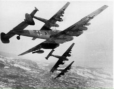 Bf 110's on the hunt.