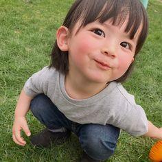 こどもの日の今日は、動物園に行きました👪 トラがとてつもなくかっこよかった🐅💕 #こどもの日 #動物園 #北海道 #2歳 #男の子 Cute Asian Babies, Korean Babies, Asian Kids, Cute Babies, Baby Kids, Cute Little Girls, Cute Kids, Ulzzang Kids, Baby Boy Photography