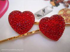 Cabochon hair grips - Sparkle Crystal hearts TREASURY ITEM on Etsy, 5,21 €  So excited to wear these over valentines day :)