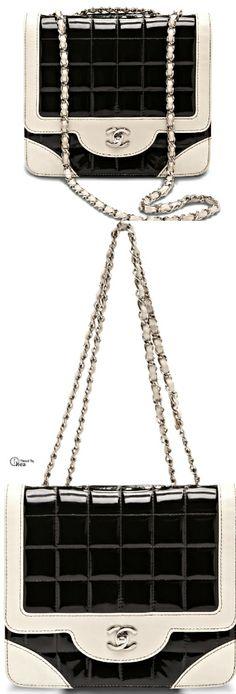 Chanel' in siyah krem uyumu #canta #bag #moda #style