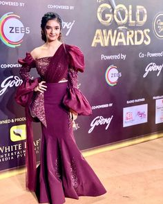 At Gold Awards Red Carpet ❤️ . Indian Fashion Dresses, Indian Bridal Outfits, Dress Indian Style, Indian Designer Outfits, Stylish Dress Designs, Stylish Dresses, Designer Party Dresses, Designer Gowns, Lehenga Designs Simple