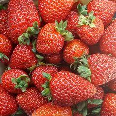 Recipe: Strawberry Rhubarb Crunch Cheesecake – The Grapevine