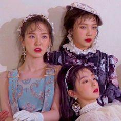 Kpop Girl Groups, Korean Girl Groups, Kpop Girls, Seulgi, Pretty People, Beautiful People, Cool Girl, My Girl, Wendy Red Velvet