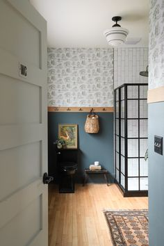 ispydiy_barmhouse_woodsybathroom1