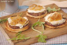 Montadito de berenjenas con queso de cabra y cebolla caramelizada