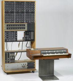 tapecanvas:  Moog Analog Drum Machine Prototype 1970 – Bob Moog...