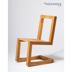 Bujany fotel to mebel tylko dla dziadka? Naszym zdaniem każdy zasługuje na odrobinę relaksu, a bujany fotel (lub krzesło) wcale nie musi wyglądać staromodnie. Co sądzicie o naszej wersji tego mebla?  Więcej zdjęć w sklepie.