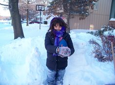 25 Ways to Have Fun on a Snow Day! easy indoor and outdoor activities to keep the kids happy, busy and learning.