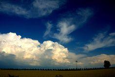 HANNOVER Kronsberg blauer Himmel und bombastische Wolken