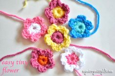 My Merry Messy Life: Crochet Easy Tiny Flower {free crochet pattern}