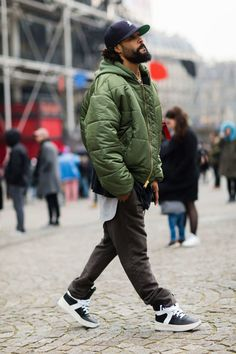 All the Best Street Style From Paris Haute Couture Black Men Street Fashion, Mens Fashion, Guy Fashion, Work Fashion, Fashion Styles, Style Fashion, Winter Fashion, Fashion Trends, Inspiration Mode