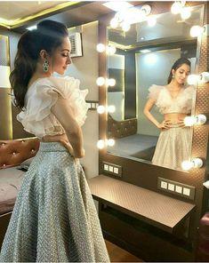 Lehenga blouse designs - Kabir singh 's heroine Lehenga Designs, Saree Blouse Designs, Fancy Blouse Designs, Designs For Dresses, Indian Wedding Outfits, Indian Outfits, Indian Designer Outfits, Designer Dresses, Party Kleidung