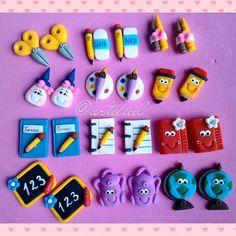 Polymer Clay Kawaii, Fimo Clay, Polymer Clay Charms, Polymer Clay Projects, Polymer Clay Creations, Polymer Clay Art, Polymer Clay Earrings, Clay Crafts, Clay Keychain