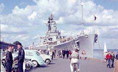 Flådebesøg med uheld  I 1962 kom der et stort krigsskib på besøg i København. Skibet lagde til på Langelinie og der blev adgang til skibet. Det var under den kolde krig, og mange mennesker var tiltrukket af den store oplevelse, det ville være at komme ombord på det amerikanske krigsskib. #Flådebesøg #Navy #Langelinie