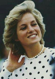 Princess Diana Dresses, Princess Diana Family, Princess Of Wales, Spencer Family, Diana Spencer, Diana Memorial, Diana Fashion, Estilo Fashion, Lady Diana