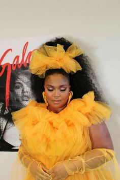 Lizzo backstage at the BET Awards Black Girl Magic, Black Girls, Pretty People, Beautiful People, Girl Celebrities, My Escape, Female Singers, Mellow Yellow, My Guy