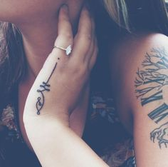 30 Small and Simple Tattoos for Girls (12)