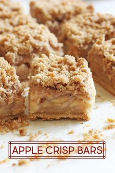 Apple Crisp Bars are easy to make from scratch promise This recipe uses a basic shortbread crust topped with apple slices and a simple flavorful crisp via haleydwilliams Apple Crisp Bars Recipe, Apple Crisp Easy, Apple Crisp Recipes, Apple Bars, Apple Pie Recipe Easy, Apple Crumble Recipe, Apple Bread, Apple Dessert Recipes, Köstliche Desserts