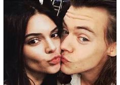 the two hottest people to ever share a bed Kendall Jenner, Kylie Jenner Style, Kendall And Kylie, Kardashian Jenner, Kendall And Harry Styles, Kendall Harry, Celebrity Couples, Celebrity Gossip, Celebrity News
