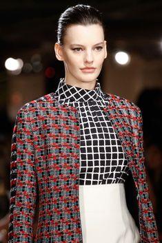 Oscar de la Renta Fall 2015 Ready-to-Wear Fashion Show Details