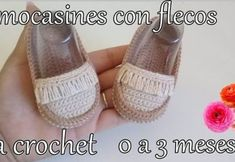 Mocasines para bebés tejidos a crochet Crochet Baby Boy Hat, Baby Booties Knitting Pattern, Crochet Baby Sandals, Baby Shoes Pattern, Booties Crochet, Crochet Baby Clothes, Crochet Shoes, Crochet Blanket Patterns, Baby Knitting Patterns