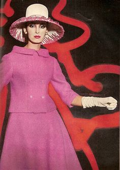 Photo by William Klein for Vogue, March 1962  The first lined suit I tackled had this jacket tailoring...w / a slim skirt ...center paneled and seam pockets.   Loved that suit