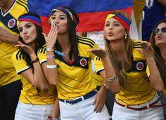 Hot Girls da Copa do Mundo Hot Football Fans, Football Girls, Soccer Fans, Female Football, World Cup 2014, Fifa World Cup, Humour Foot, World Cup Logo, Hot Fan
