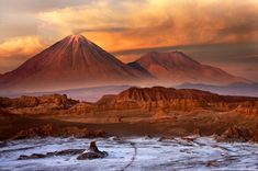 Top 5 tourist attraction in Chile and visiting places in Chile are Easter Island, Atacama Desert, Patagonia, Santiago De Chile, Valparaiso and Vine Del Mar. South America Destinations, South America Travel, Oh The Places You'll Go, Places To Travel, Places To Visit, National Geographic, Valley Of The Moon, Chili, Visit Chile