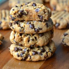 Best Ever Peanut Butter Chocolate Chip Cookies - Dessert 13 Desserts, Cookie Desserts, Cookie Recipes, Delicious Desserts, Dessert Recipes, Yummy Food, Brownie Recipes, Healthy Food, Healthy Tips