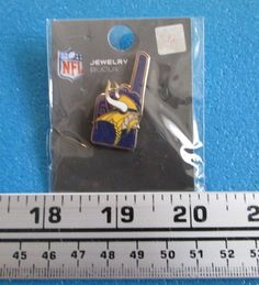 Minnesota Vikings (fan #1) Logo #NFL #Football Pin # Fo- 484 from $2.95